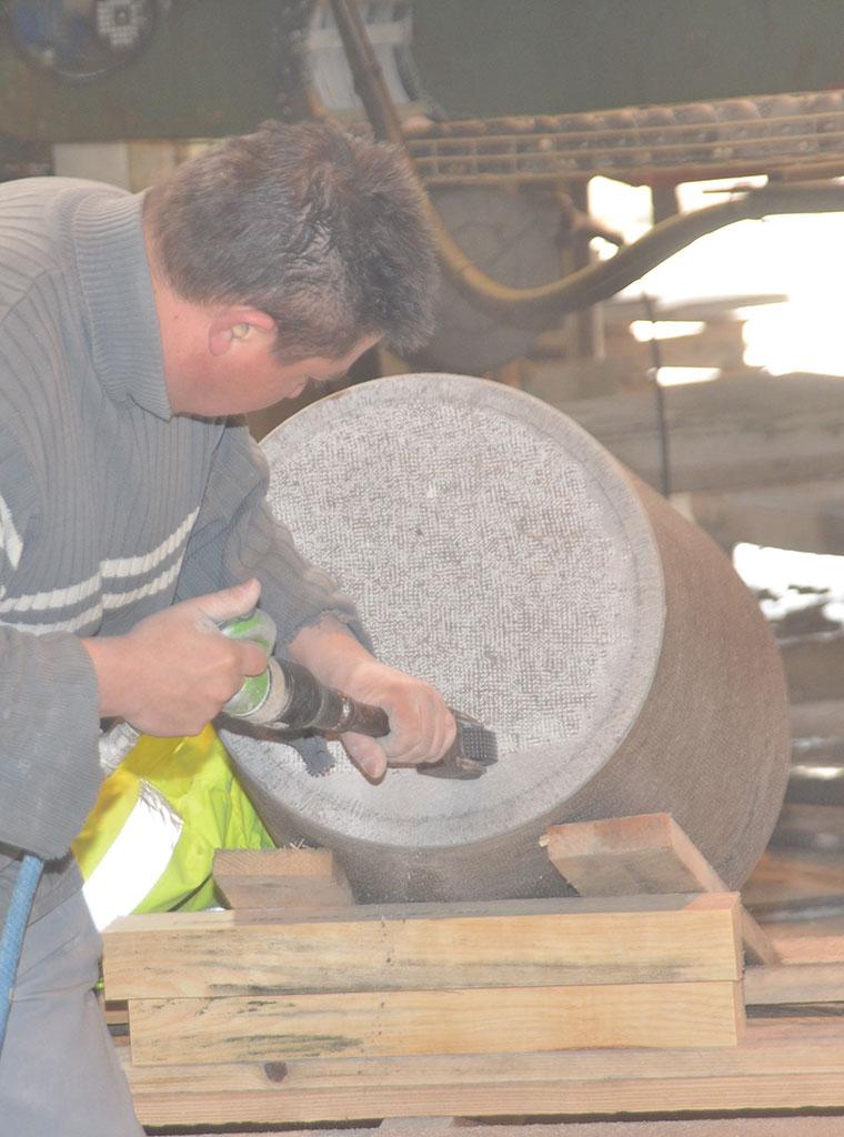 Bouchardage atelier de taille de pierres