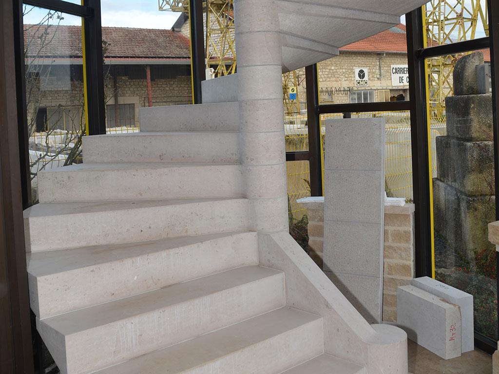 Escalier en Comblanchien
