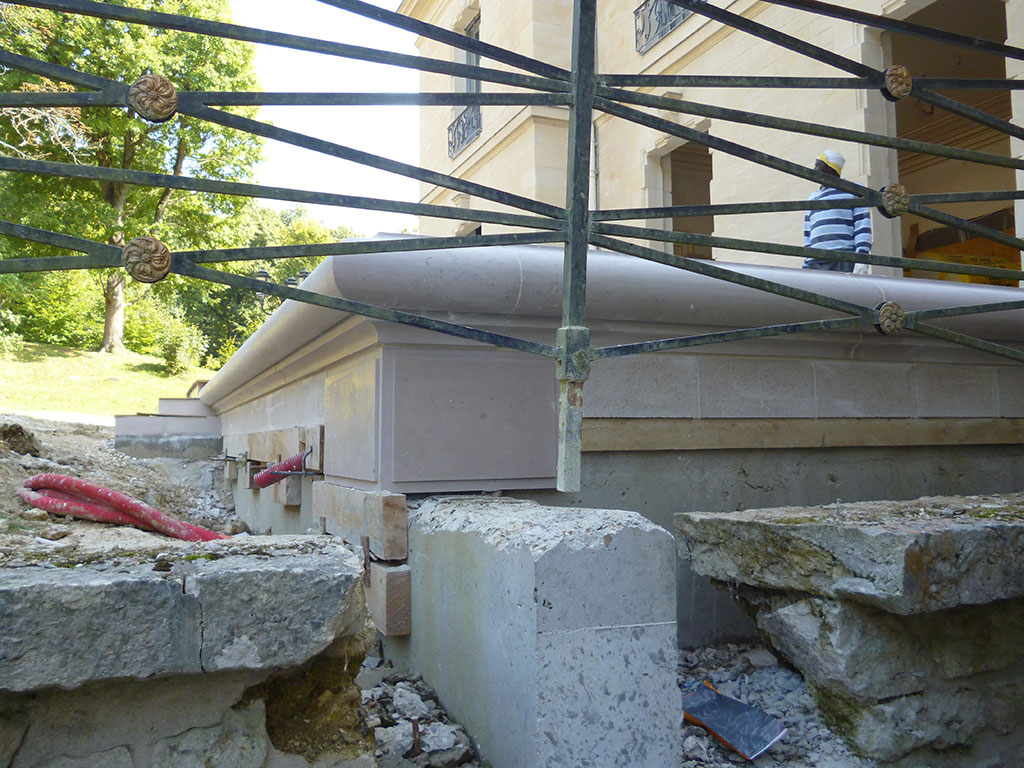 pose escalier en pierre massif