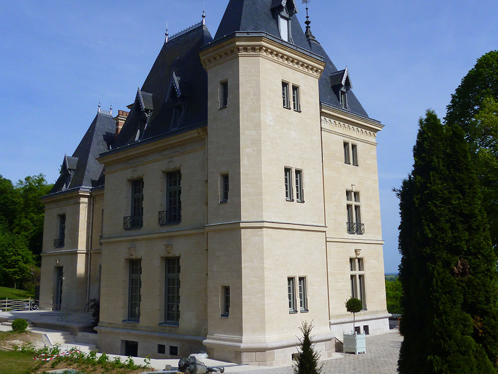 renovation chateau pierre naturelle