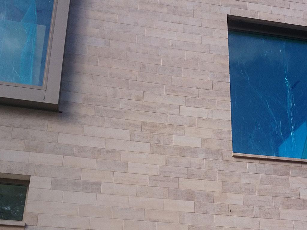 Revêtement de façade en pierre naturelle