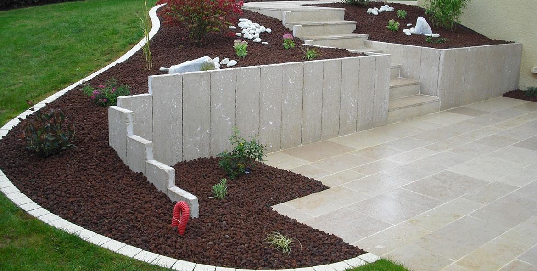 Terrasse en pierre de Comblanchien