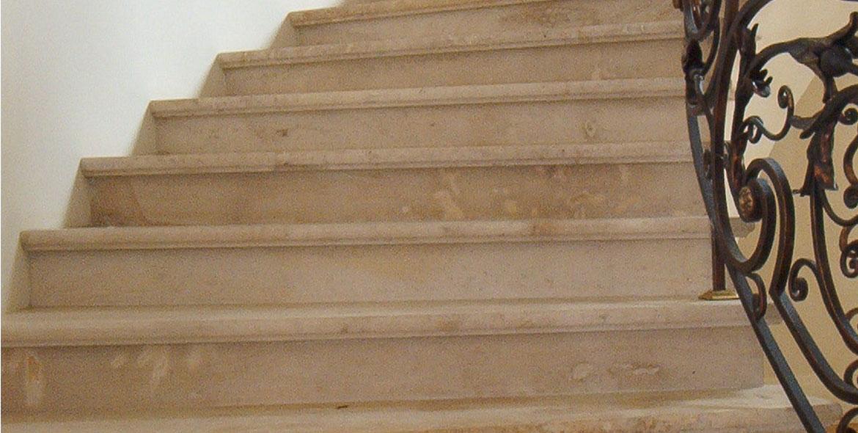 Escalier en pierre de Beaunotte