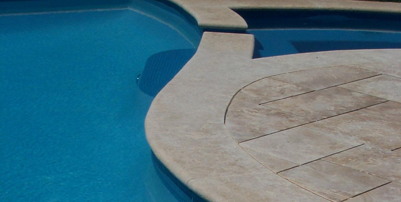 Margelles de piscine en pierre de Lanvignes