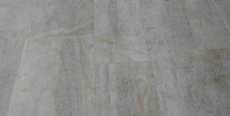 Terrasse en pierre de Beaunotte