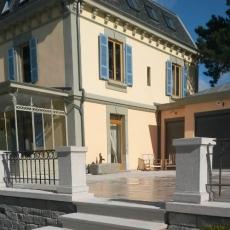 Villa en pierre naturelle
