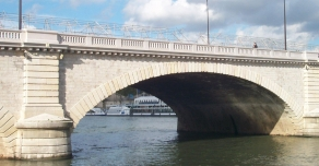 Garde-corps du Pont de Tolbiac à Paris