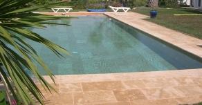Plage et margelles de piscine en pierre de Bourgogne